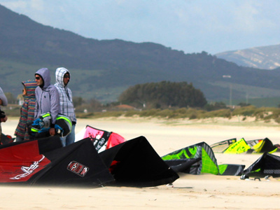 Kitesurfing lessons intermediate in Tarifa - 6 or 8 hours